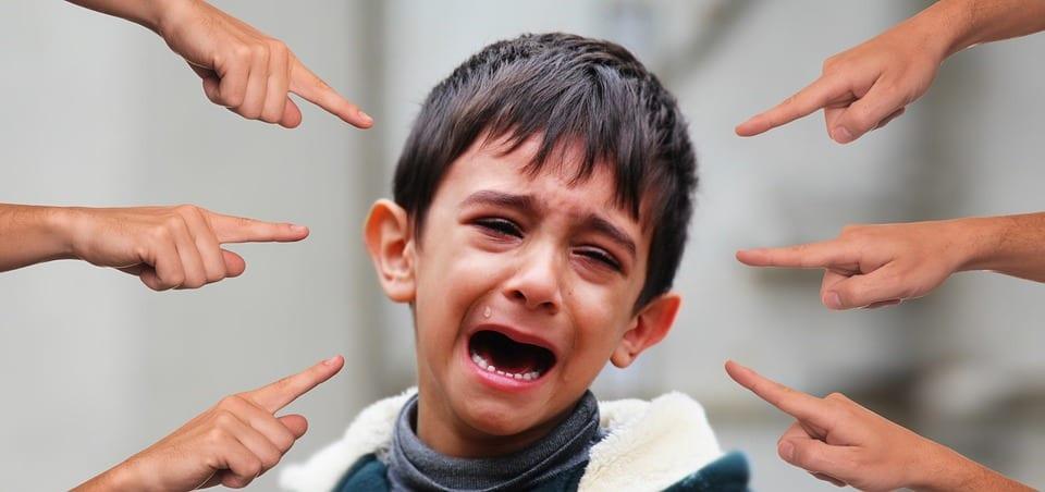 ¿Crees que tu hijo puede estar sufriendo ACOSO A TRAVÉS DE LAS REDES SOCIALES?