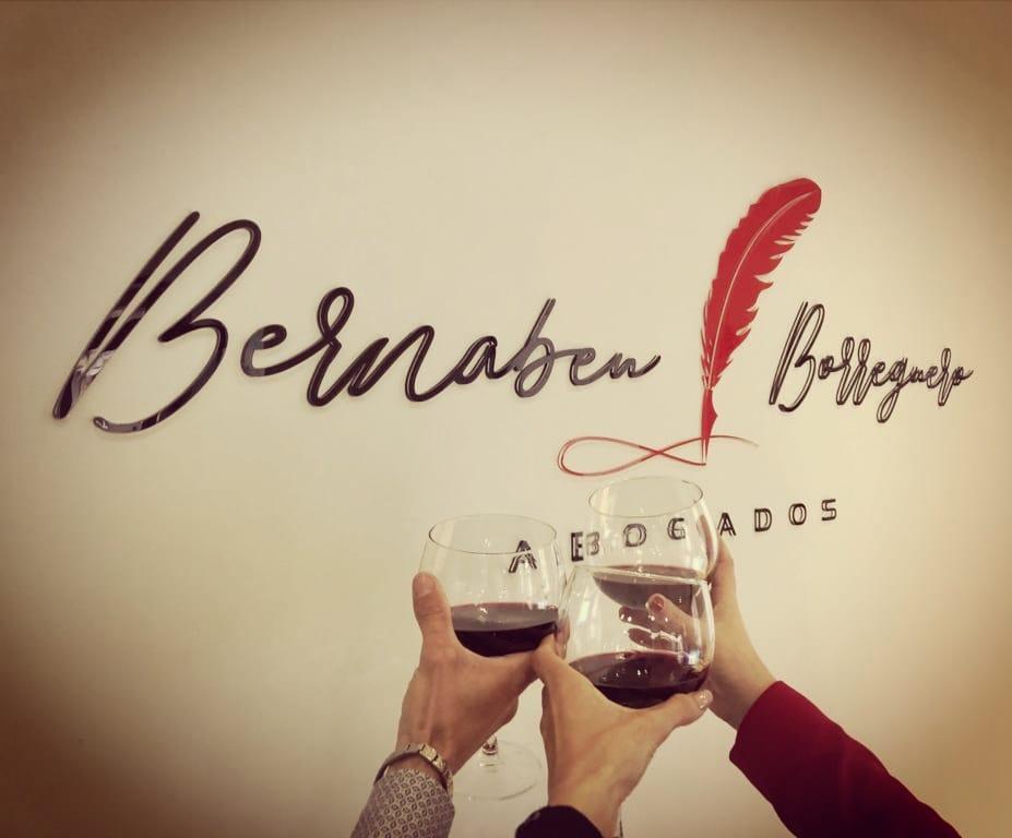 Bernabeu Borreguero abogados, celebrando un nuevo éxito profesional. La satisfacción de nuestros clientes, nuestra mejor referencia.