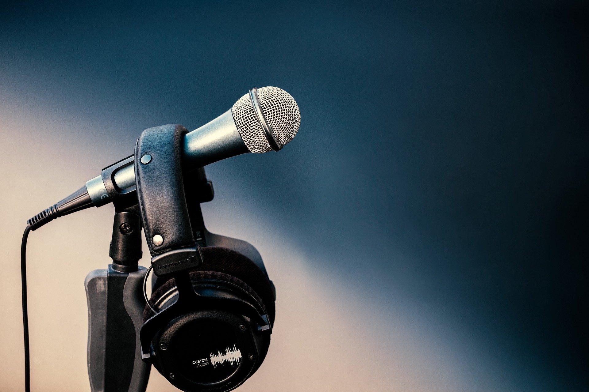 microphone 4759563 1920 - Blog